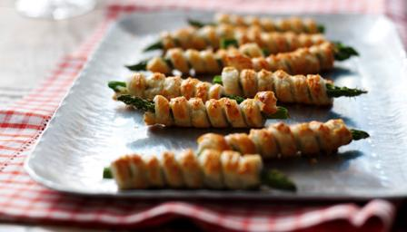 Bbc food recipes asparagus and puff pastry cigars for Puff pastry canape