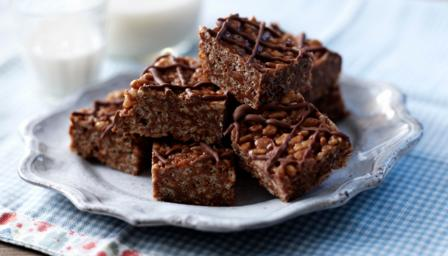 Mars bar chocolate crispy cakes