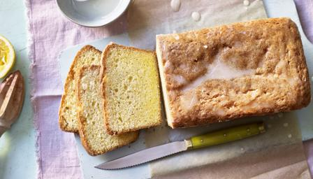 Easy lemon drizzle cake