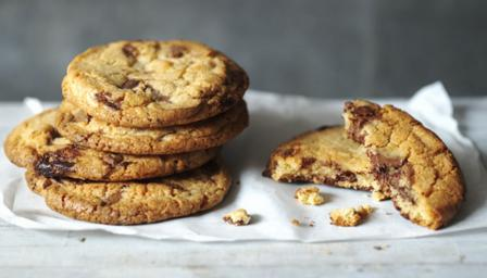 Easy chocolate chip cookies recipe - BBC Food