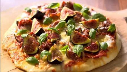 Prosciutto mozzarella and fig pizza recipe bbc food forumfinder Gallery
