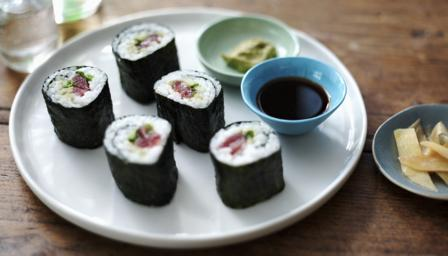 Quick And Easy Sushi Maki Sushi Rolls Recipe Bbc Food