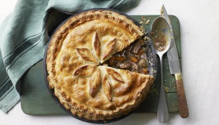 Steak and Irish stout pie recipe - BBC Food