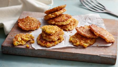 https://ichef.bbci.co.uk/food/ic/food_16x9_448/recipes/sweetcorn_fritters_46558_16x9.jpg