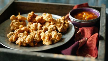 Vegetable pakoras recipe bbc food forumfinder Choice Image