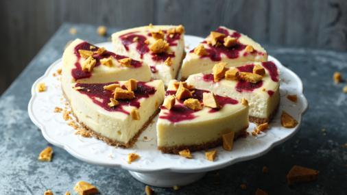 Vanilla Baked Cheesecake With Blackberries