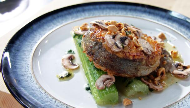 Hake with button mushrooms and vinegar