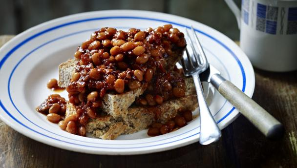 Proper baked beans with soda bread toast