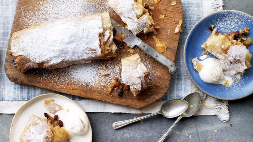 Autumnal baking bbc food apple strudel forumfinder Image collections