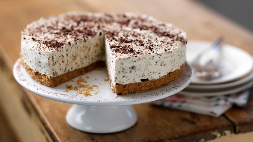 Irish cream and chocolate cheesecake recipe bbc food - Olive garden bailey s crossroads ...