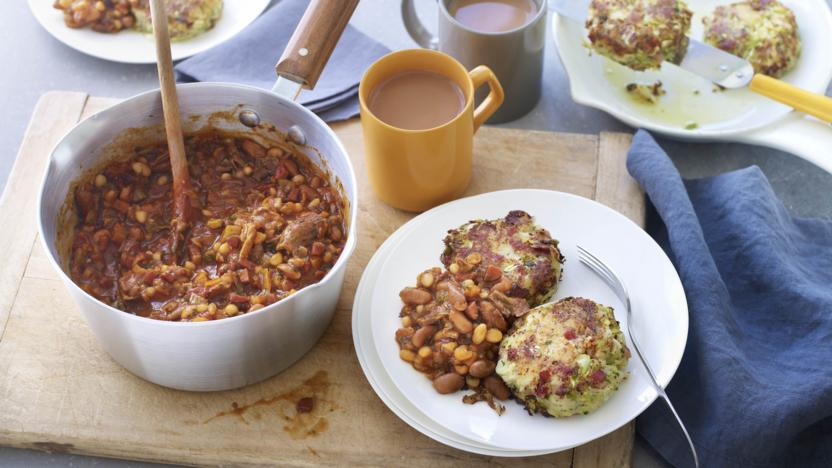 Baked beans with bubble and squeak hash browns