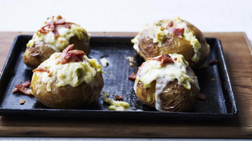 Baked potato with bacon, taleggio and leek