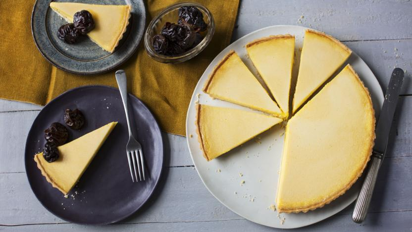 Baked vanilla tart with Earl Grey prunes