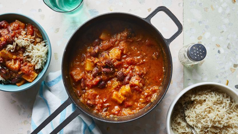 Kidney bean and pineapple curry