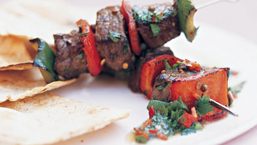 Beef and pepper kebabs