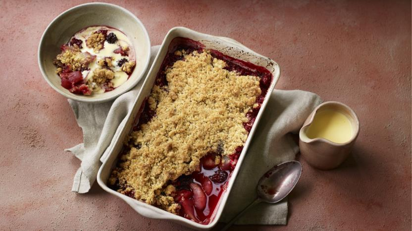 Blackberry and pear crumble