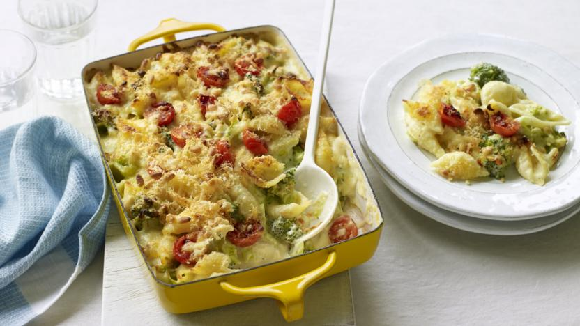 Broccoli and cheese pasta bake