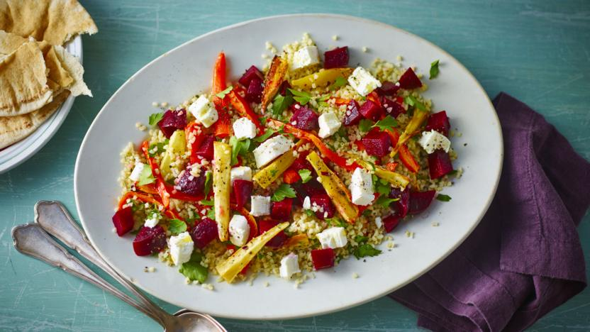 Bulgur wheat salad with beetroot, honey and goats' cheese