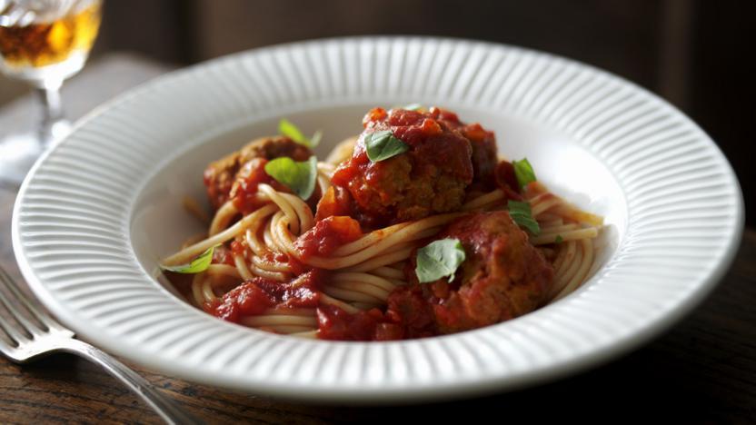 Turkey meatballs with spaghetti and tomato sauce