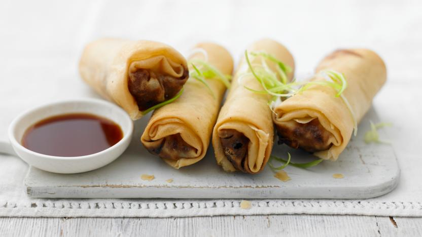 Chicken and vegetable spring rolls recipe