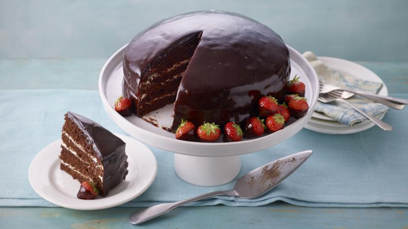 Chocolate reflection cake