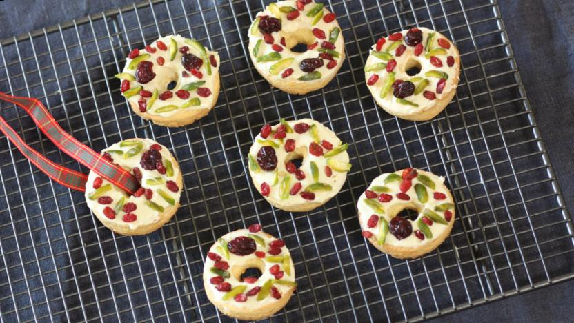 Christmas Wreath Biscuits