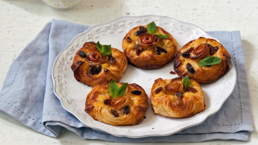 Apple Cake Recipe Uk Bbc: Cinnamon, Apple And Custard Danish Recipe