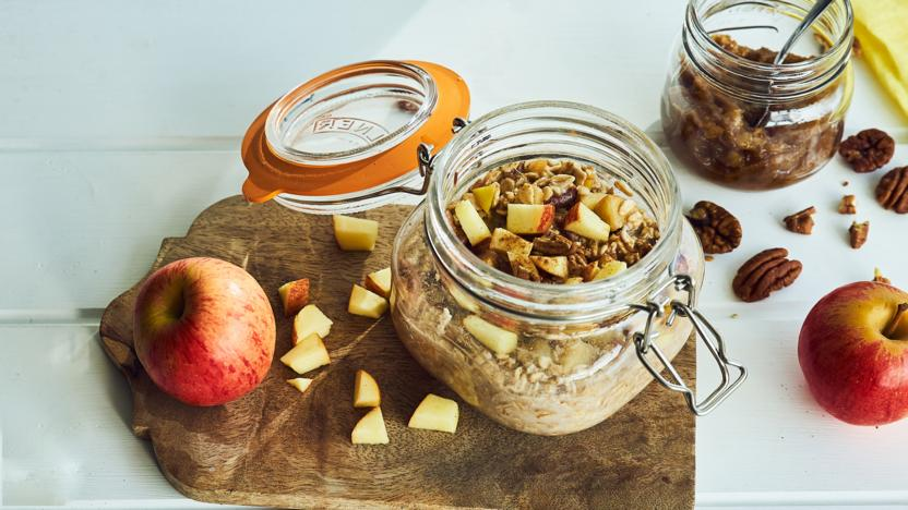 Cinnamon apple overnight oats with date butter