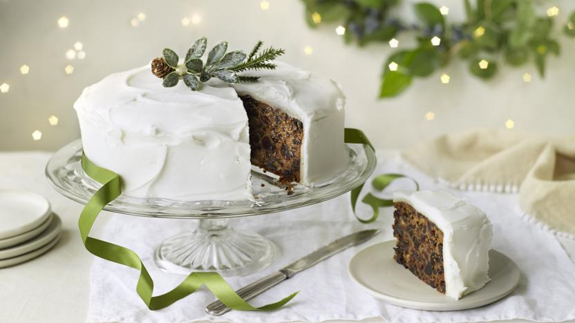 Mary Berry S Classic Christmas Cake Recipe Bbc Food