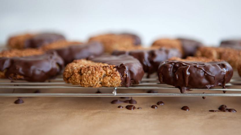 Chocolate and ginger oat biscuits