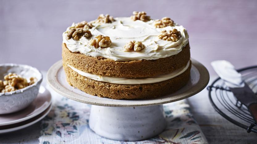 Mary Berrys Coffee And Walnut Cake