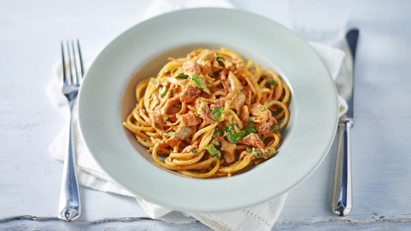 Creamy Chilli Bacon And Tomato Spaghetti Recipe Bbc Food