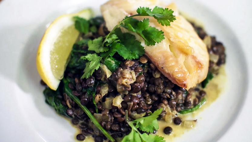 Creamy lentils with smoked haddock