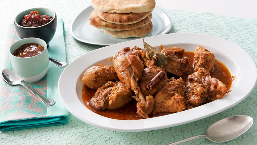 Madhur jaffreys chicken korma with almonds recipe bbc food madhur jaffreys chicken korma with almonds forumfinder Choice Image