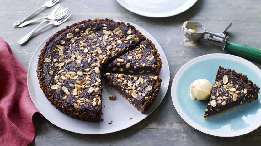 Crisp, chocolate and salted peanut tart