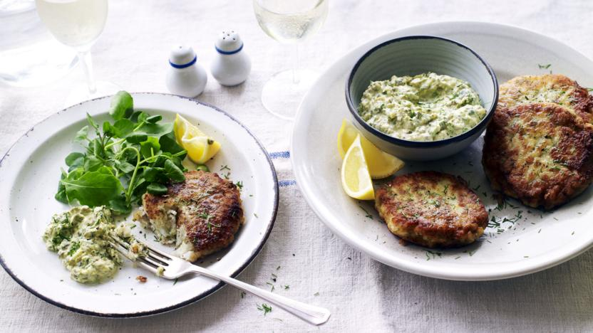 Cod fish cakes ('frikadeller') with remoulade