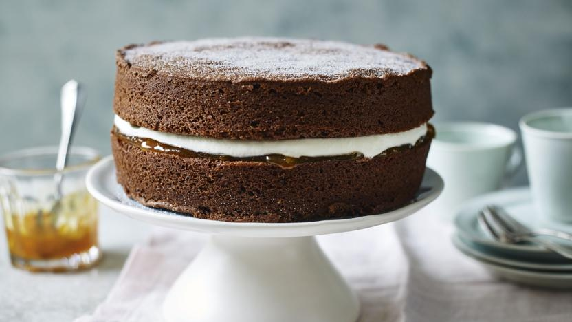 Mary Berry's easy chocolate cake recipe