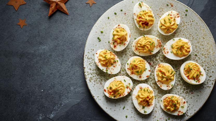 devilled eggs - Christmas Deviled Eggs