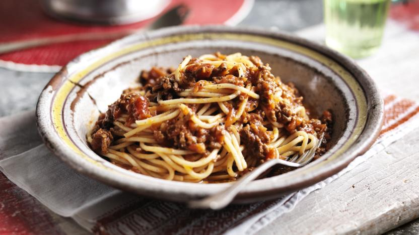 Easy Spaghetti Bolognese Recipe Bbc Food