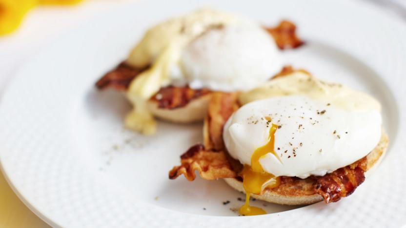 Cheat's eggs Benedict