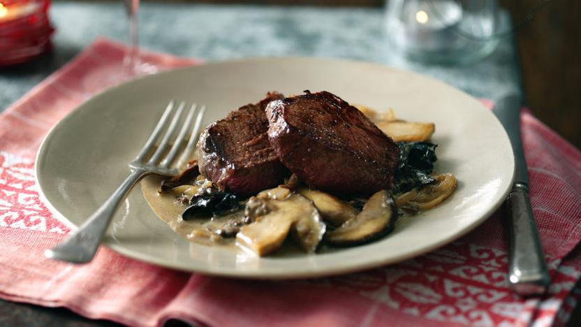 Fillet of venison and wild mushroom sauce