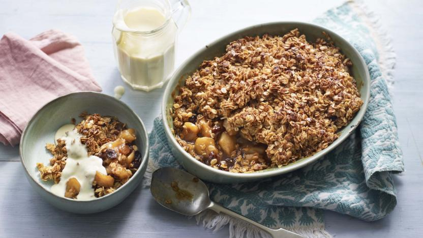 Flapjack cinnamon apple crumble recipe bbc food flapjack cinnamon apple crumble forumfinder Images