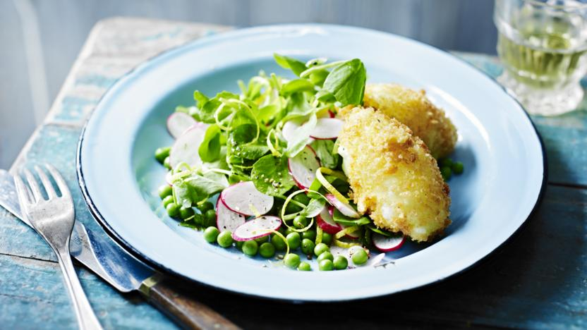 Goats' cheese quenelles with pea, mint and radish salad