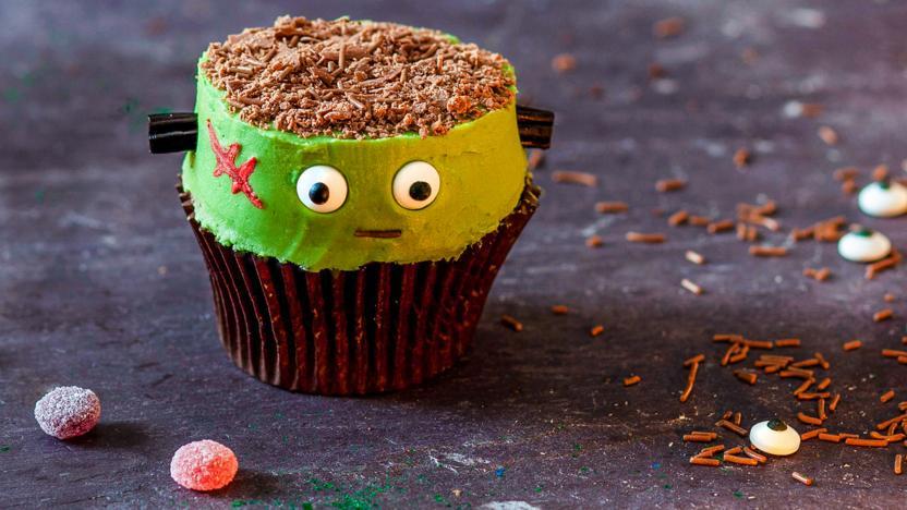 Halloween Franken-cupcakes