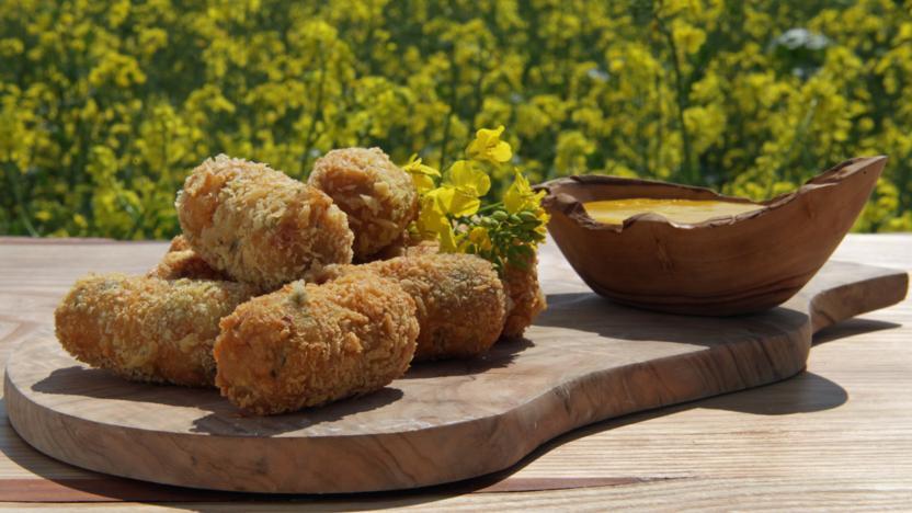Ham croquetas with garlic mayo