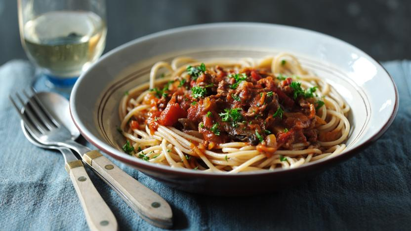 Healthy spaghetti bolognese recipe bbc food forumfinder Gallery