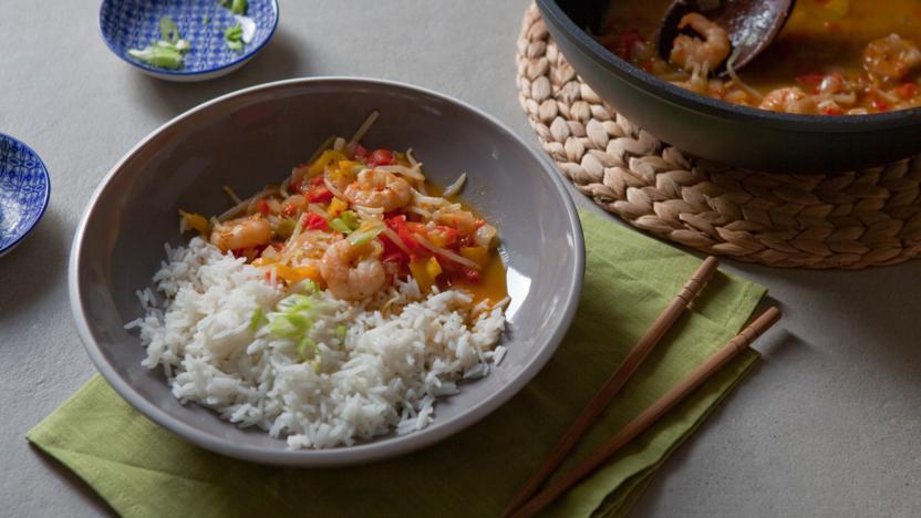 Healthy sweet and sour king prawn stir fry