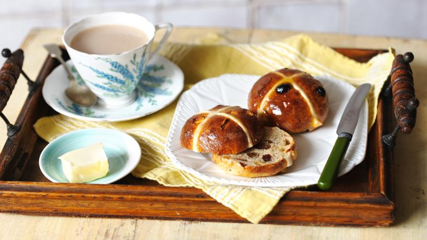 Paul Hollywood's hot cross buns