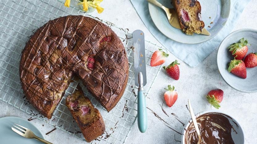 Italian strawberry and chocolate chunk cake