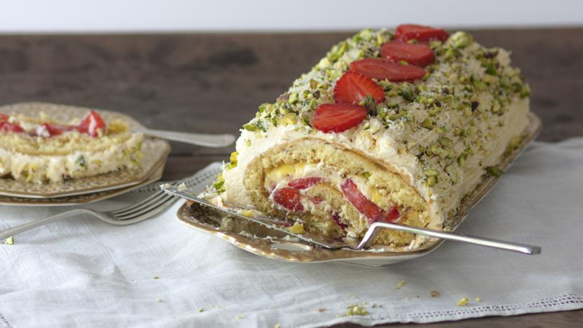 Lemon and strawberry roulade